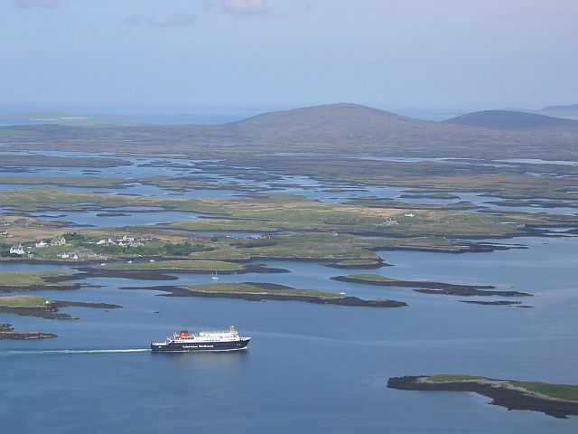 Leaving_Lochmaddy_-_geograph.org.uk_-_929584